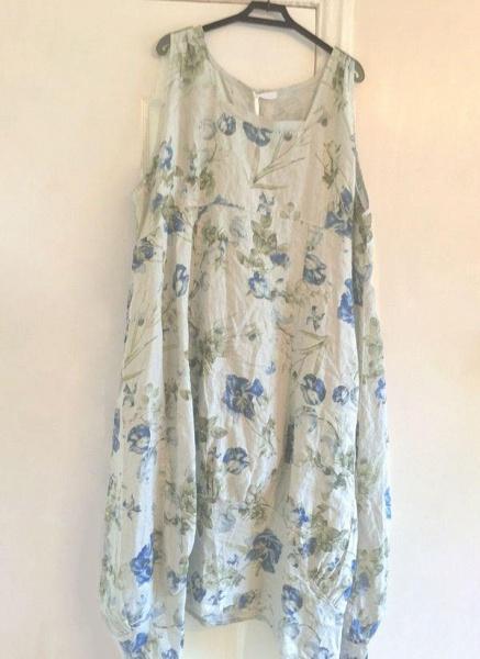White Plus Size Tunic Floral Round Neckline Casual Midi Plus Dress_2