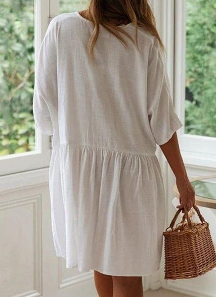 White Plus Size Tunic Solid V-Neckline Casual Pockets Buttons Plus Dress_5