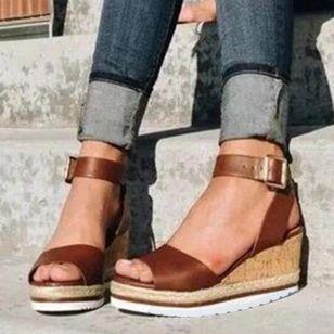 Women's Buckle Modern Wedge Heel Sandals_3