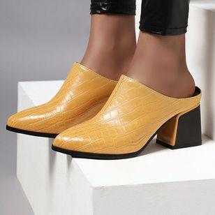 Women's Closed Toe Chunky Heel Sandals_4