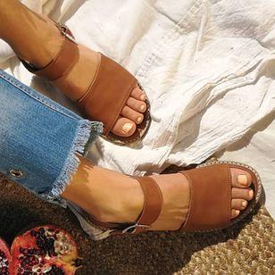Women's Buckle Round Toe Low Heel Sandals_4