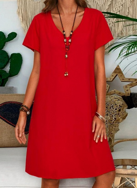 Red Plus Size Tunic Solid V-Neckline Casual Knee-Length Plus Dress_1