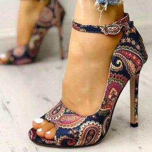 Women's Buckle Flower Heels Cloth Stiletto Heel Sandals_2