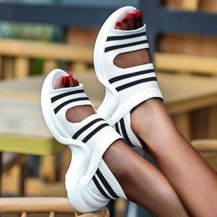 Women's Round Toe Nubuck Low Heel Sandals_2