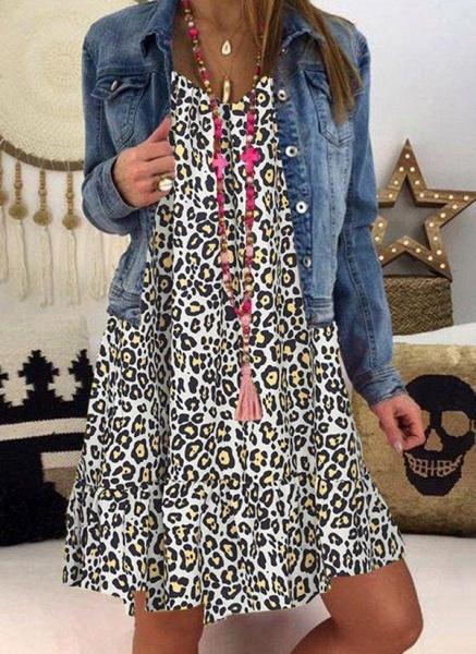 Gray Plus Size Tunic Leopard V-Neckline Casual Knee-Length Plus Dress_4