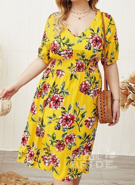 Yellow Plus Size Floral V-Neckline Casual Midi X-line Dress Plus Dress_3