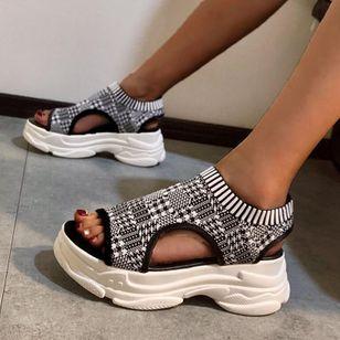 Women's Geometric Round Toe Fabric Flat Heel Sandals_1