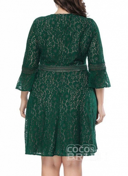 Green Plus Size Skater Solid Round Neckline Casual Lace Plus Dress_2
