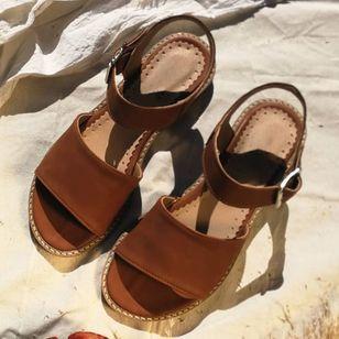 Women's Buckle Round Toe Low Heel Sandals_5