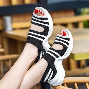 Women's Peep Toe Fabric Low Heel Sandals_1