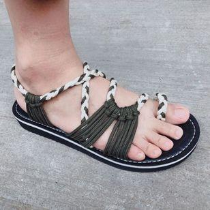 Women's Braided Strap Toe Ring Flat Heel Sandals_3