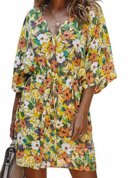 Yellow Plus Size Floral V-Neckline Casual Ruffles Above Knee Plus Dress_2
