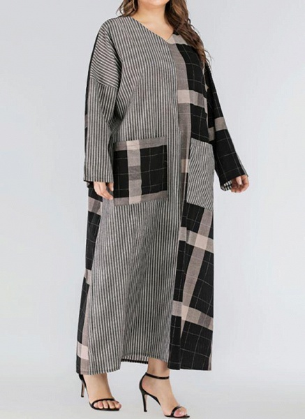 Black Plus Size Plaid V-Neckline Casual Pockets Maxi Plus Dress_1