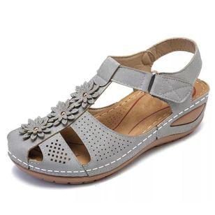 Women's Applique Closed Toe Wedge Heel Sandals_5