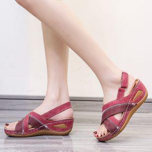 Women's Velcro Round Toe Flat Heel Sandals_3