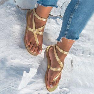 Women's Buckle Flip-Flops Flat Heel Sandals_5