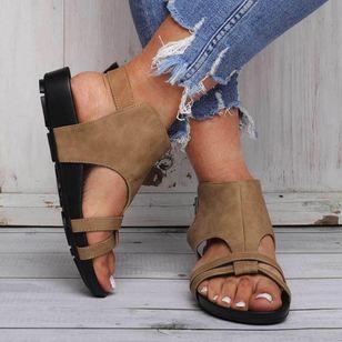 Women's Buckle Round Toe Flat Heel Sandals_1