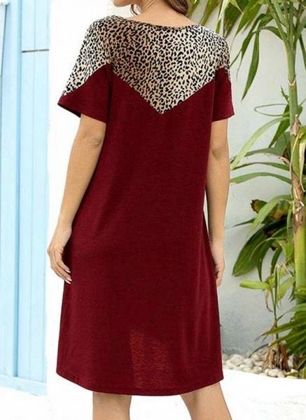 Burgundy Plus Size Tunic Leopard Round Neckline Casual Pockets Plus Dress_2