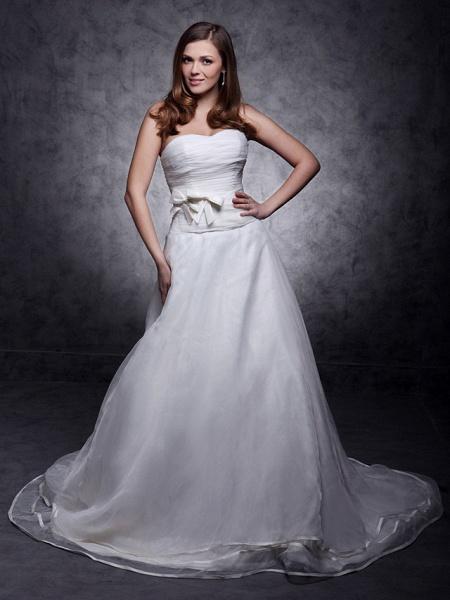 Princess A-Line Wedding Dresses Strapless Sweetheart Neckline Court Train Organza Satin Sleeveless_2