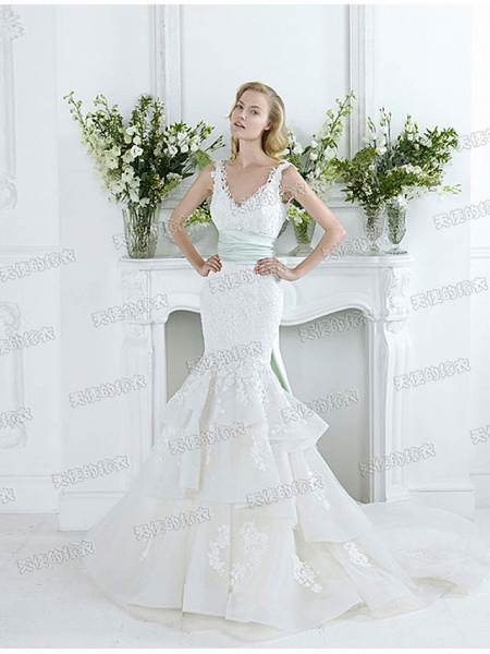 Mermaid \ Trumpet Wedding Dresses V Neck Court Train Lace Tulle Sleeveless Sexy Plus Size_2