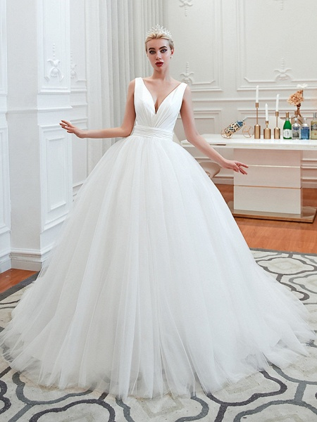 A-Line Wedding Dresses V Neck Court Train Tulle Spaghetti Strap Formal Romantic Casual_1