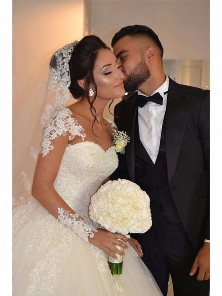 Ball Gown Wedding Dresses Sweetheart Neckline Floor Length Lace Tulle Long Sleeve Romantic Illusion Detail_2