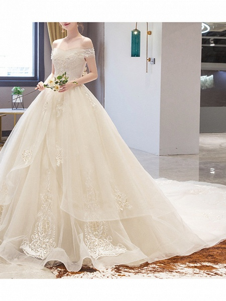 A-Line Wedding Dresses Off Shoulder Court Train Lace Sleeveless Casual Illusion Detail Plus Size_2