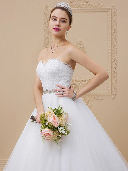 Ball Gown Sweetheart Neckline Chapel Train Tulle Lace Over Tulle Strapless Glamorous Sparkle & Shine Wedding Dresses_4