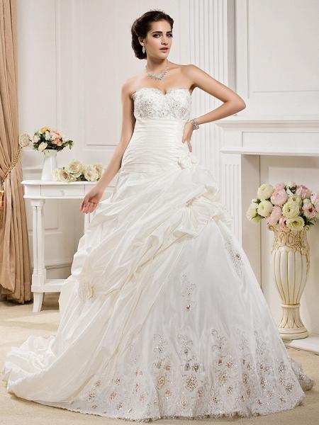 Ball Gown Sweetheart Neckline Court Train Taffeta Sleeveless Wedding Dresses_1