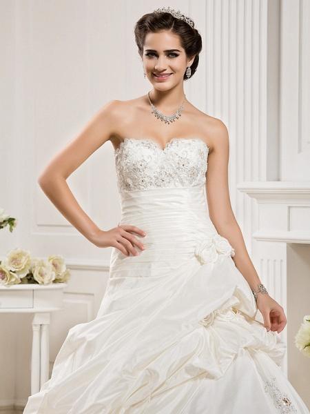 Ball Gown Sweetheart Neckline Court Train Taffeta Sleeveless Wedding Dresses_5