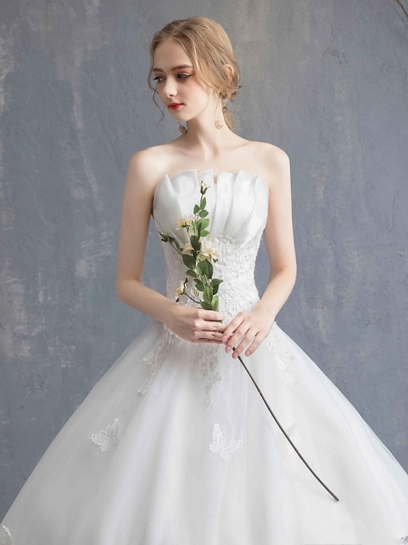 Ball Gown Wedding Dresses Strapless Chapel Train Lace Tulle Lace Over Satin Strapless Formal Vintage Illusion Detail_5