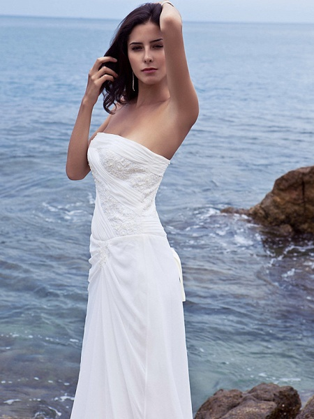 Sheath \ Column Wedding Dresses Strapless Court Train Chiffon Strapless Beach Plus Size_8