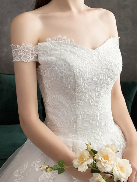 Ball Gown Wedding Dresses Off Shoulder Watteau Train Lace Tulle Polyester Short Sleeve Romantic_4