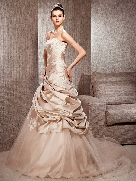 Ball Gown Strapless Court Train Satin Tulle Sleeveless Wedding Dress in Color Wedding Dresses_3