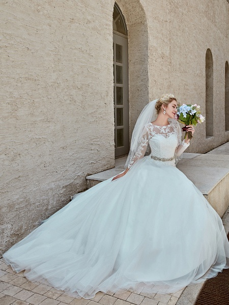 Ball Gown Wedding Dresses Bateau Neck Chapel Train Lace Tulle Long Sleeve Beautiful Back Illusion Sleeve_7