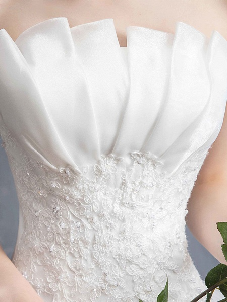 Ball Gown Wedding Dresses Strapless Chapel Train Lace Tulle Lace Over Satin Strapless Formal Vintage Illusion Detail_6
