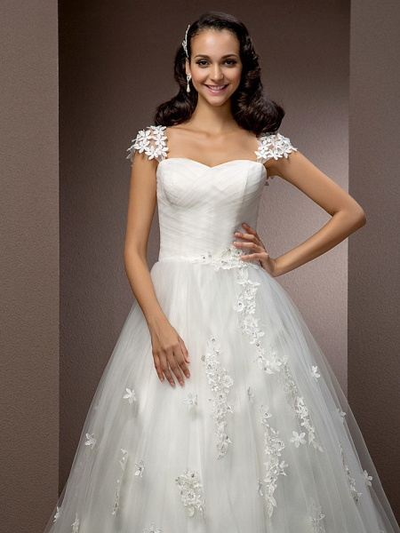 Ball Gown Square Neck Court Train Tulle Short Sleeve Wedding Dresses_5