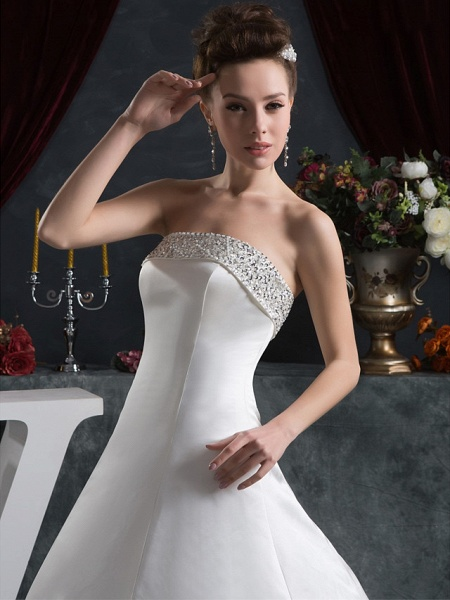 A-Line Strapless Court Train Satin Strapless Wedding Dresses_4