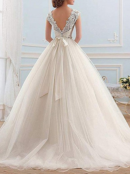 Ball Gown Wedding Dresses Jewel Neck Sweep \ Brush Train Lace Tulle Cap Sleeve Glamorous Vintage Sparkle & Shine Illusion Detail_2
