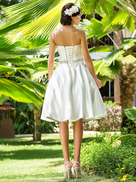 A-Line Wedding Dresses Sweetheart Neckline Knee Length Satin Strapless Country Beach Little White Dress Plus Size_2