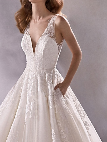 A-Line Plunging Neck Court Train Lace Tulle Sleeveless Country Plus Size Wedding Dresses_3