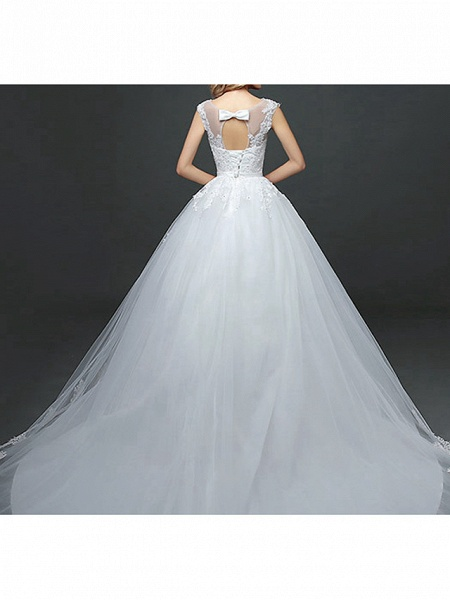 Ball Gown Wedding Dresses Scoop Neck Court Train Lace Tulle Polyester Short Sleeve Romantic_6