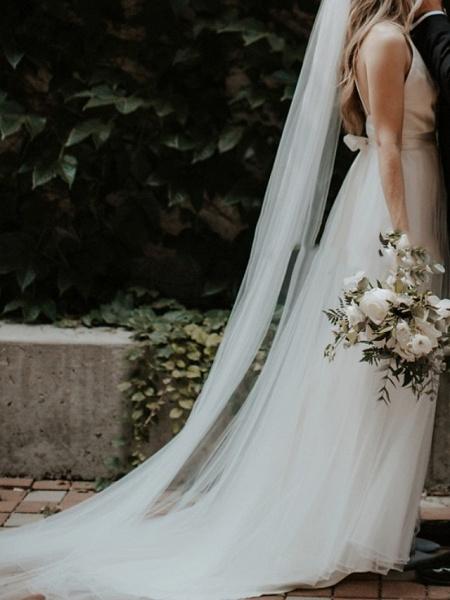 A-Line Wedding Dresses V Neck Court Train Satin Sleeveless Formal Detachable_3