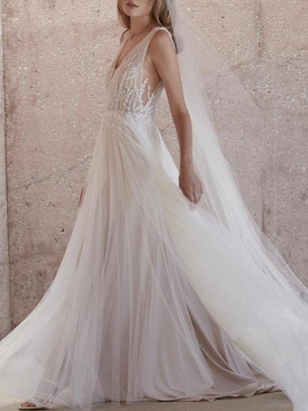 A-Line Wedding Dresses V Neck Sweep \ Brush Train Tulle Regular Straps Boho Plus Size_2