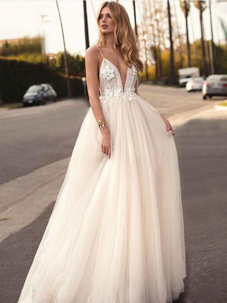 A-Line Wedding Dresses V Neck Court Train Tulle Spaghetti Strap Romantic Casual Boho Illusion Detail Backless_1