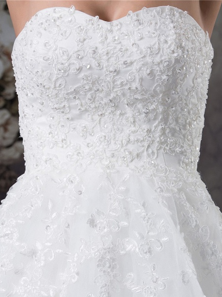A-Line Sweetheart Neckline Court Train Lace Tulle Strapless Wedding Dresses_6