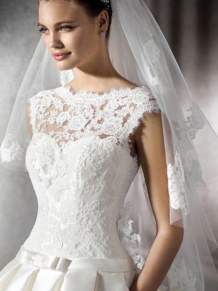 A-Line Jewel Neck Chapel Train Lace Tulle Polyester Cap Sleeve Plus Size Wedding Dresses_3