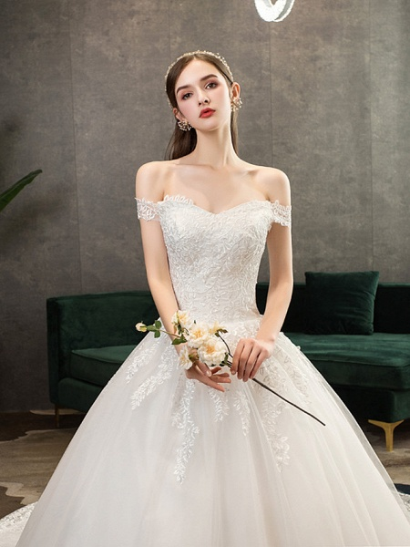 Ball Gown Wedding Dresses Off Shoulder Watteau Train Lace Tulle Polyester Short Sleeve Romantic_6