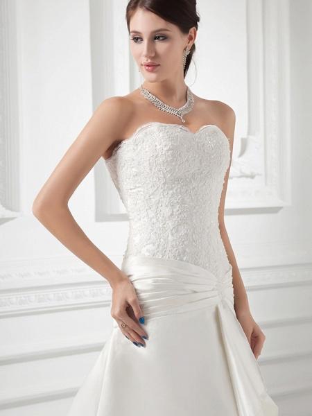 A-Line Sweetheart Neckline Chapel Train Lace Satin Strapless Wedding Dresses_4