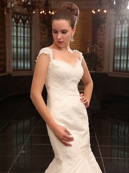 Mermaid \ Trumpet Wedding Dresses Straps Sweetheart Neckline Court Train Lace Satin Short Sleeve_4